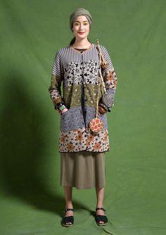 Macau cardigan & Collage shawl – Gudrun Sjödén