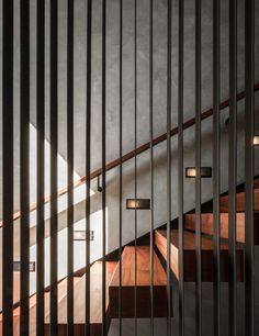 Image 7 of 46 from gallery of Baan Klang Suan / ForX Design Studio. Photograph by Tinnaphop Chawatin Wooden Staircase Railing, Staircase Storage, Staircase Design, Stair Design, Stairs Architecture, Architecture Details, Glass Balustrade, Interior Design Advice, Cute Dorm Rooms