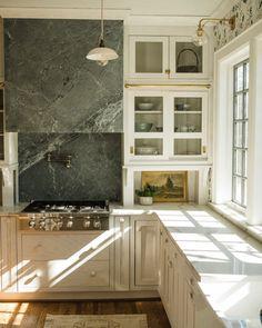 Kitchen Interior, Kitchen Decor, Kitchen Design, Kitchen Ideas, Country Look, Interior Decorating, Interior Design, Stone Interior, Beautiful Kitchens