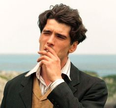 Images, pictures, videos, gifs and screencaptures of Yon Gonzalez, Yon González in Grand Hotel