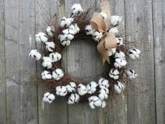 Cotton Wreath, Cotton blossom twig wreath Cotton Decor, Cotton Crafts, Twig Wreath, Burlap Wreath, Cork Wreath, Cotton Blossom, Twig Crafts, Cotton Wreath, Coton Biologique
