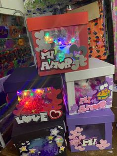 Valentines Day Baskets, Valentine Day Gifts, Bff Gifts, Pinball, Gift Baskets, Ideas Para, Diy And Crafts, Goodies, Lettering