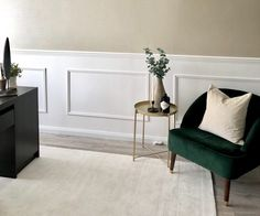 A simple step by step guide showing you how to add DIY wall panelling in your home. Easily adds a touch of classy luxe decor! Dining Room Paneling, Hallway Flooring, Dining Room Walls, Interior Design Blogs, Wall Cladding Interior, Interior Walls, Diy Wand, New Living Room, My New Room