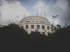 """Pic 20: #MonsoonAtWWI by #WWIStudent Harshit Poddar """"Beautiful architecture situated in the green makes it a unique experience here."""""""