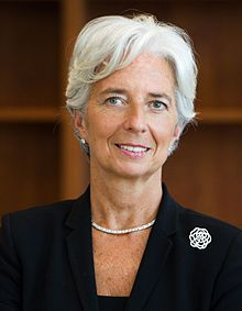 Christine Lagarde née en 1956. Elle a eté :  Ministre de l'Agriculture et de la Pêche (2007). (2005) Ministre déléguée au Commerce extérieur (2007).  Ministre de l'Économie Le 5 juillet 2011, elle devient directrice générale du Fonds monétaire international.
