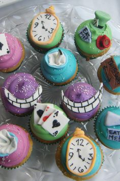 Alice in Wonderland cupcakes --party ideas
