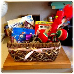 Cute gift basket idea for a new pet owner!