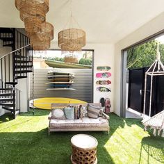 Venice Beach surfer fantasy 🏄🏽🏄🏼🏄🏾 #interiordesign #indooroutdoor #patio #backyarddesign #interiorinspo #venicebeach #californiadesign #surfersparadise #surfingintheusa #interior123 #homedecor #homestaging