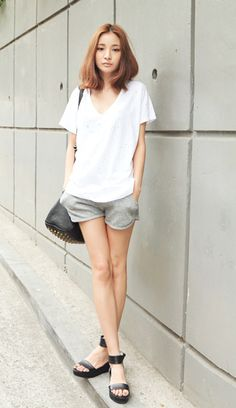 oh, these korean girls do slouchy style so well // stylenanda