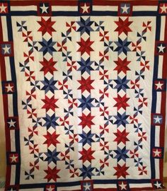 red white and blue quilts patterns - Bing images Flag Quilt, Pinwheel Quilt, Patriotic Quilts, Star Quilt Blocks, Star Quilts, Scrappy Quilts, Quilt Block Patterns, Mini Quilts, Green Quilt