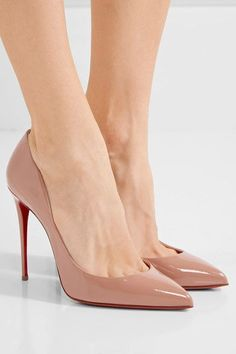 Christian Louboutin - Pigalle Follies 100 Patent-leather Pumps - Beige - IT Mens New Years Eve Outfit Fashion Heels, Look Fashion, Womens Fashion, Fashion Tips, Latex Fashion, Milan Fashion, Fashion Bloggers, Fashion Boots, Teen Fashion