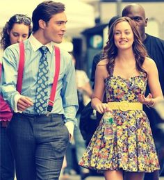 Gossip Girl! Chuck and Blair. Walking in style. Blair's outfit is so cute. And a man in suspenders is so sexy!