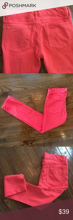 J. Crew Toothpick Size 27 / Coral Pink J. Crew Toothpick Ankle Size 27 / Coral Pink  Super soft and in excellent used condition 7 1/2 inch front rise 28 inch inseam 87% cotton / 10%  rayon and 3% Elastane J. Crew Jeans Skinny