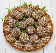 Paleuri cu ciocolata Romania Food, Romanian Desserts, Sweet Cooking, Best Cheese, Something Sweet, Diy Food, Coffee Time, Biscotti, Food Art