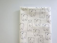 ▲綿(コットン) - 商品詳細 ツイルプリント しろいくまです。 112cm巾/生地の専門店 布もよう