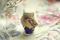 how cute of favors would that be? :)