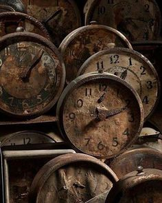 Old clocks. Distressed, rusty and abandoned. But there was their time. Old Clocks, Antique Clocks, Vintage Clocks, Alarm Clocks, Rustic Clocks, Art Antique, Vintage Items, Time Stood Still, Retro Vintage