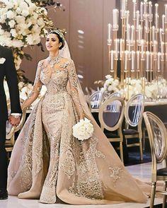 Arabic luxury Mermaid Wedding with Train Arabische Luxus-Meerjungfrau-Hochzeit mit Zug Beautiful Wedding Gowns, Dream Wedding Dresses, Bridal Dresses, Beautiful Dresses, Beautiful Bride, Muslim Wedding Dresses, Wedding Attire, Gown Wedding, Queen Wedding Dress
