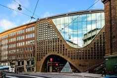 Helsingin akateemiset korttelit no 1 Library Architecture, Modern Architecture, Visit Helsinki, World Library, Interesting History, British Library, Beautiful Buildings, Capital City, New Construction