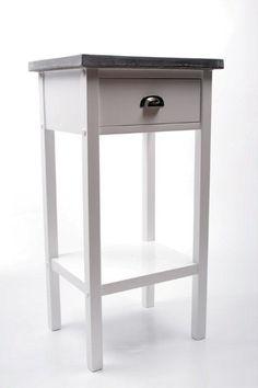 Köp - 1095 kr! Hallbord Hugo - Vit. Prydligt hallbord i vitt trä med en tålig toppskiva i