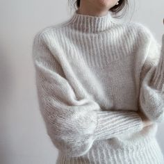 Ulla Sweater is a highneck, slim top down sweater. Vintage Mode, Stockinette, Mode Outfits, Looks Cool, Sweater Weather, Knitting Projects, High Waist Jeans, Knitwear, Knit Crochet