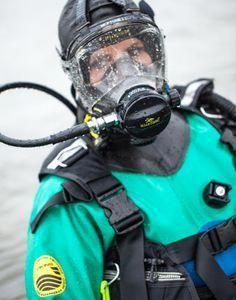 Risks And Rewards Of Scuba Diving Scuba Diving Mask, Women's Diving, Scuba Diving Courses, Best Scuba Diving, Cave Diving, Scuba Wetsuit, Scuba Gear, Diving World, Gas Mask Girl