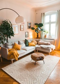 Home Interior Salas .Home Interior Salas Elegant Living Room, Boho Living Room, Bohemian Living, Living Room Decor Green, Living Room Vintage, Living Room Yellow Accents, Earthy Living Room, Bright Living Room Decor, Modern Bohemian Decor