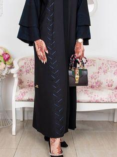 Wadeemh Iranian Women Fashion, Arab Fashion, Muslim Fashion, Modest Fashion, Fashion Dresses, Modest Outfits, Chic Outfits, Abaya Noir, Wedding Abaya