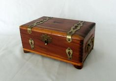 Vintage Dovetailed Wooden Box With Brass Jewelry Keepsake Photo Box