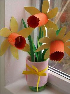 Narcis van een lege toilet rol | idee voor bij het thema Bloemen, Planten en Kriebelsbeestjes | www.peuteractiviteitenweb.com