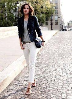 ネイビージャケット×白パンツ