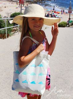 Paint Your Own Beach Tote Summer Craft by Brenda Ponnay for Alphamom.com