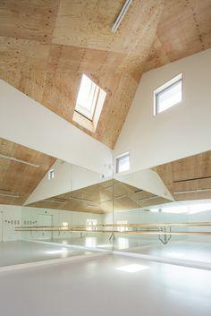 Y Ballet School / y+M #dancestudio