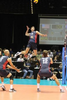 Matt Anderson!!!! Holy shit that boy can jump!! http://theincreaseverticaljump.com/learn-more