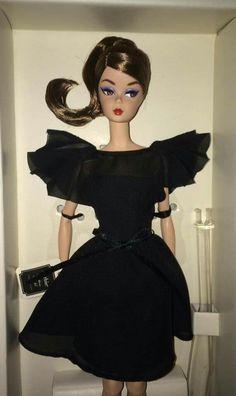 Idc convention Silkstone BArbie Doll in Black