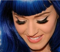 www.elle.be : Last Friday Night testten we een setje valse wimpers uit de Katy Perry collectie van Eylure. Wink Wink!