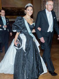 Princess Victoria Of Sweden, Crown Princess Victoria, Swedish Royalty, Royal House, Every Girl, Portrait, Evening Dresses, Saree, Royals