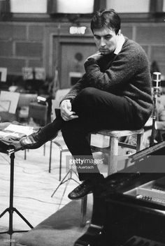 Italian Conductor Claudio Abbado Does At 80 Photos and Images . Classical Music Composers, Film Score, Jazz Musicians, Music Like, Concert Hall, Conductors, Famous Faces, Are You The One, Beautiful Men