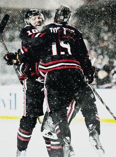 Patrick Sharp and Jonathan Toews, Chicago Blackhawks - Winter Classics Blackhawks Hockey, Hockey Teams, Chicago Blackhawks, Hockey Players, Hockey Stuff, Patrick Sharp, Hockey Boards, Hockey Baby, Jonathan Toews