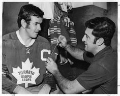 Dave Keon of the Toronto Maple Leafs has the captain's C sewn onto his sweater. Hockey Shot, Ice Hockey, Montreal Canadiens, Native Canadian, Hockey Pictures, Hockey World, Star Wars, Toronto Star, O Canada