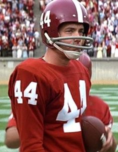 College Football Players, Football Helmets, Forrest Gump, Alabama Crimson Tide, Sports, Hs Sports, Sport