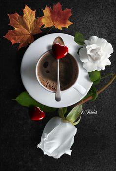 Heart on spoon Coffee Club, Coffee Is Life, I Love Coffee, Coffee Art, Coffee Break, My Coffee, Morning Coffee, Coffee Lovers, Chocolates
