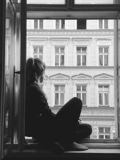 Me gusta ver el mundo desde la ventana.
