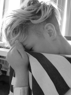 shaved sides, I would so do this if I could pull it off! I hate my thick hair!