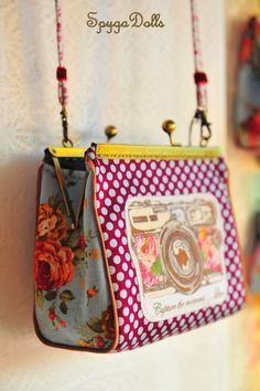 """Example of cute Frame Purse - No Pattern: Spygadolls Bags: New Collection """"Smile"""" Diy Purse, Tote Purse, Clutch Bag, Patchwork Bags, Quilted Bag, Diy Sac, Frame Purse, Handmade Purses, Purse Patterns"""