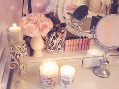 Makeup vanity inspo... Need some yummy smelling candles!!