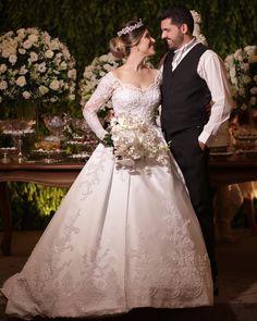 "Prime Foto Cinema® (@primefotocinema) no Instagram: ""Casamento Thayna + Valdeci Jr. 08-12-2017 @celebreeventos @cristiano_bernardes @gabrielatannusjoias…"""
