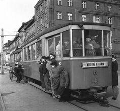 Trnavské mýto Bratislava, Retro, Car, Automobile, Retro Illustration, Autos, Cars