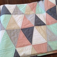 i need this quilt in my life! Quilting Projects, Sewing Projects, Quilting Ideas, Quilt Bedding, Quilt Blocks, Quilt Patterns, Sewing Crafts, Triangles, Triangle Quilts