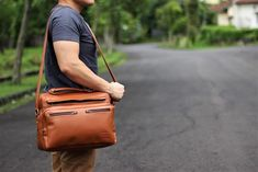 Carrier Marques Messenger suits the best for people who want to bring many different things because the bag has many pockets. However, the bag's look still...